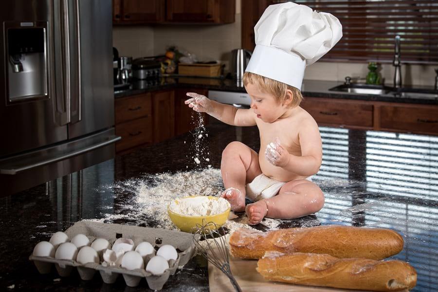 Dziecko-samo-w-kuchni
