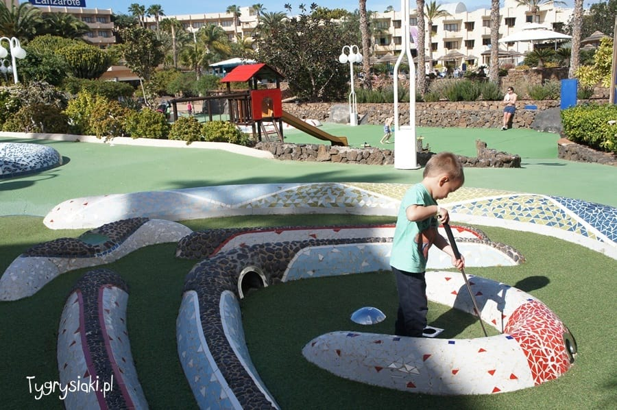 mini-golf-barcelo-lanzarote-hotel