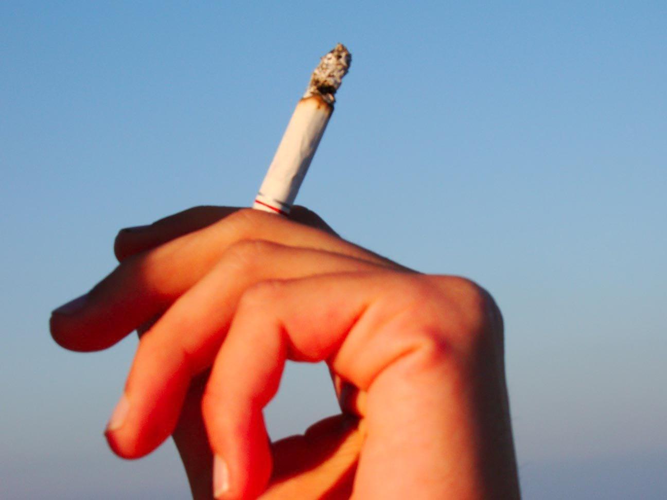 zapalony-papieros.jpg