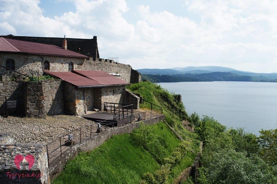 Dobczyce - zamek izalew