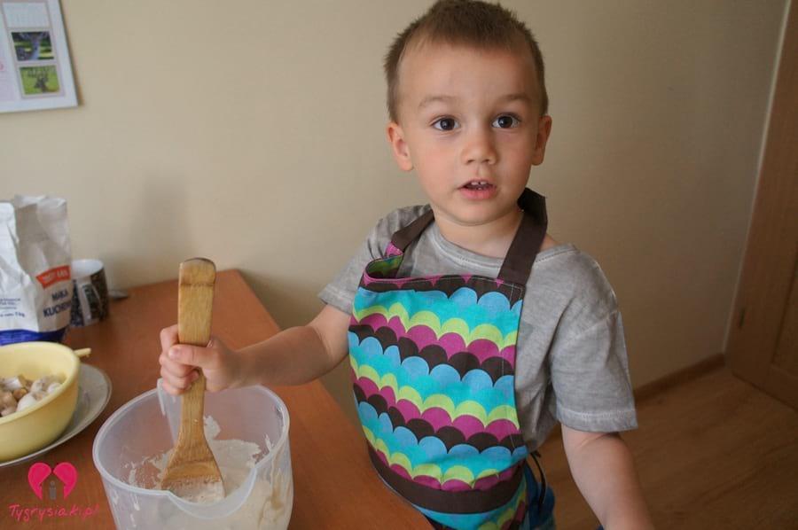 dziecko-gotuje