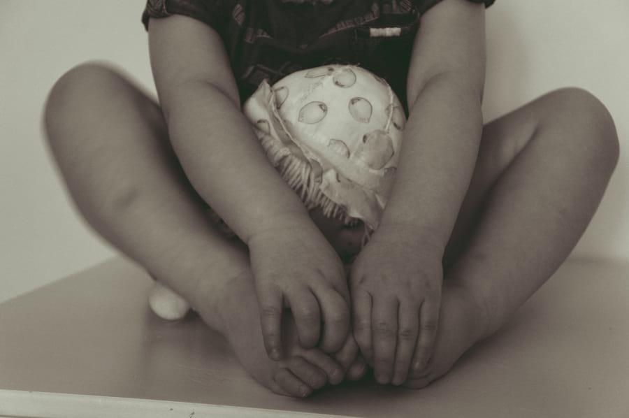dziecko-stopy