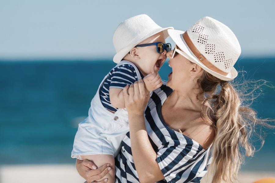 wakacje-last-minute-z-dzieckiem-rodzina