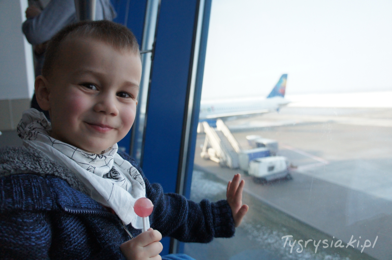 dziecko-w-samolocie