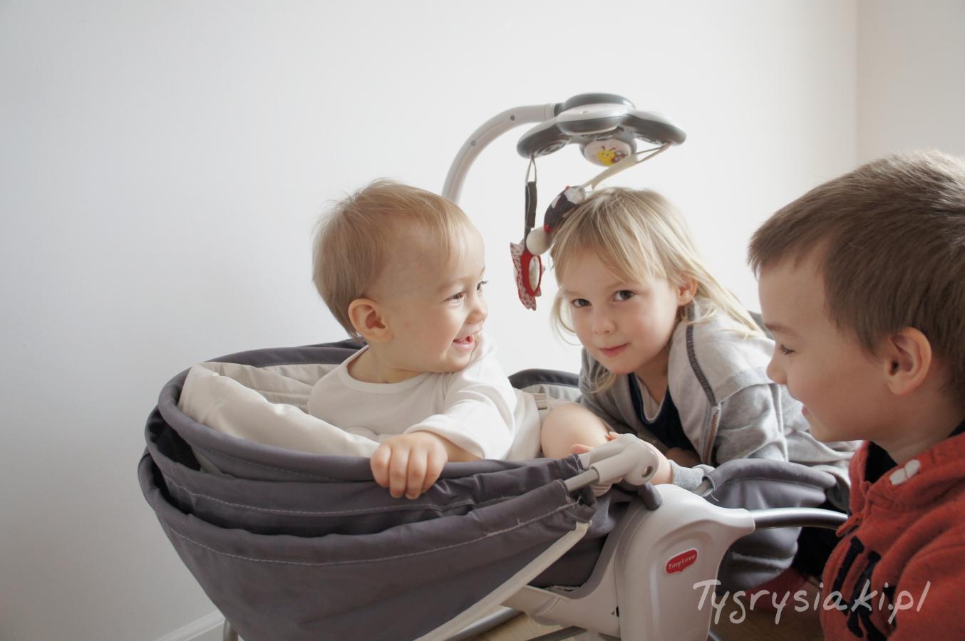 rodzenstwo-troje-dzieci