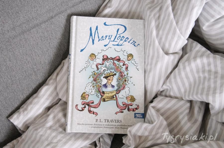 mary-poppins-ksiązka-lezy-w-poscieli