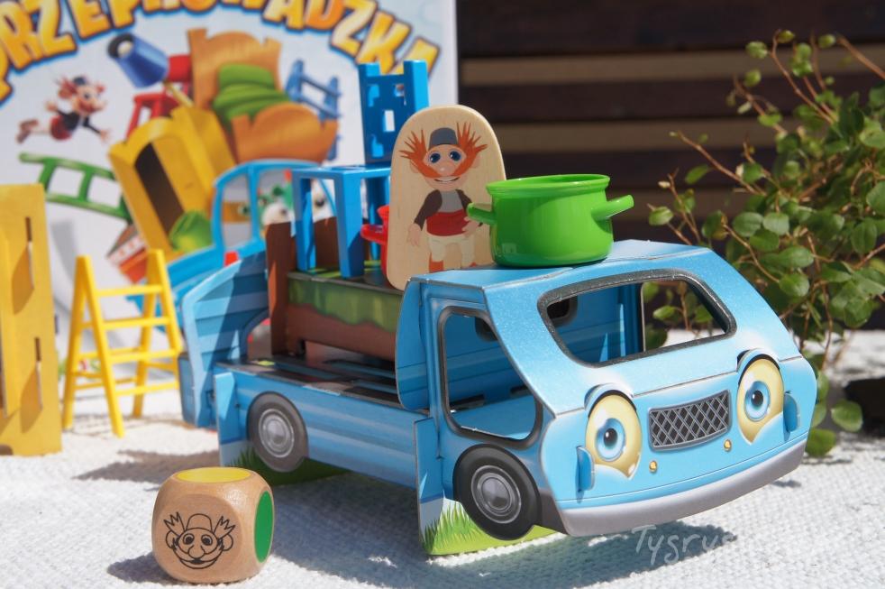 gra-kooperacyjna-dla-dzieci-najlepsza garnek iwujcio zapakowani naciężarówkę