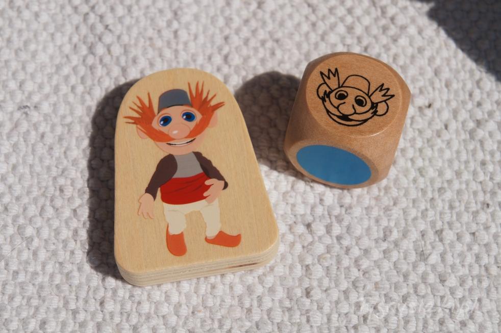 drewniana figurka małego wujcia treflików