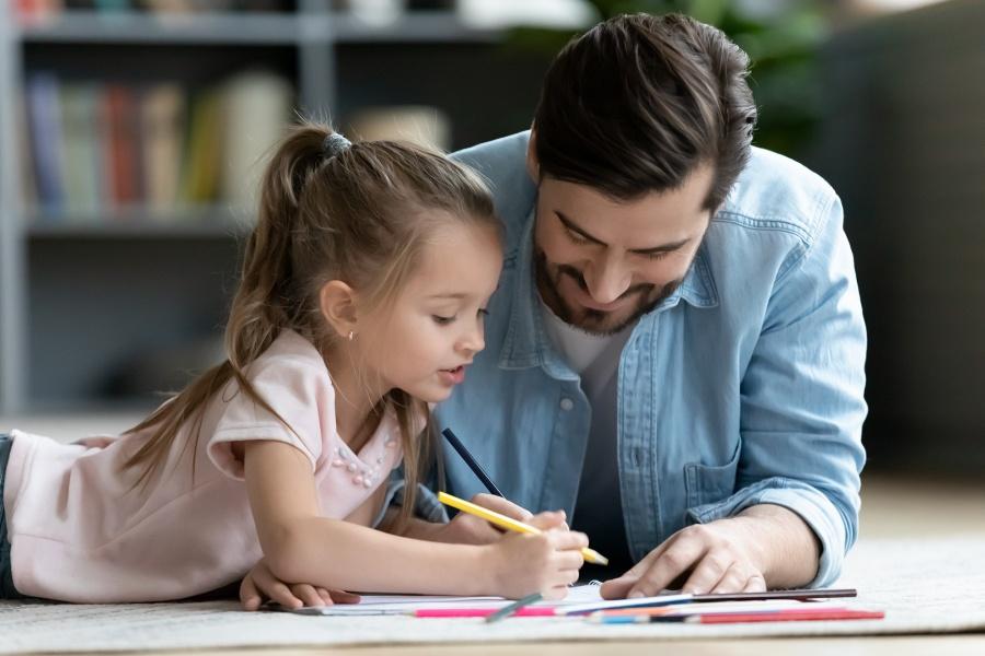 tata-uczy-dzieci-edukacja-domowa